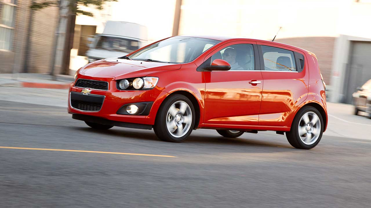 Chevrolet Sonic Repair Manual: Radio Replacement (Without US8)